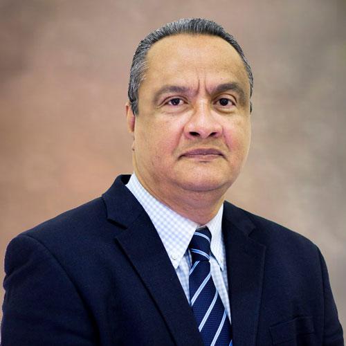 Dr. Carlos Sáenz